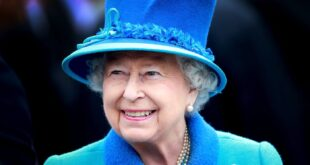 Queen Elizabeth II in her Royal Blue