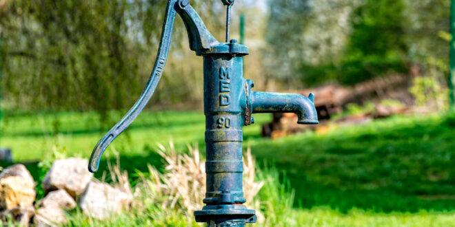 blue well pump