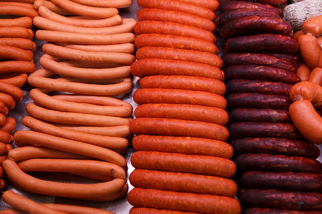 Processed meat (aka hot dogs/sausages) Raises Breast Cancer Risk