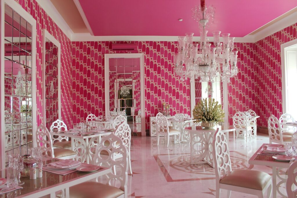 51 Shades of Pink Dining Room, Rajmahal Palace Hotel, Jaipur. Credit: Katrina Holden