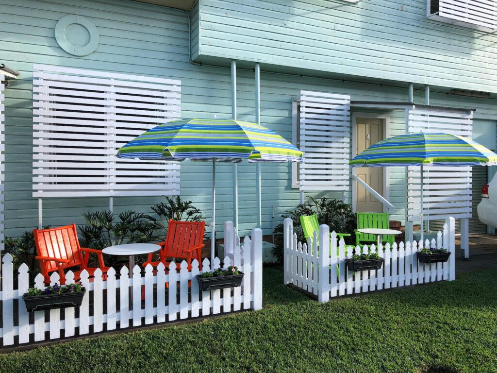 La Costa Motel Gold Coast_chairs