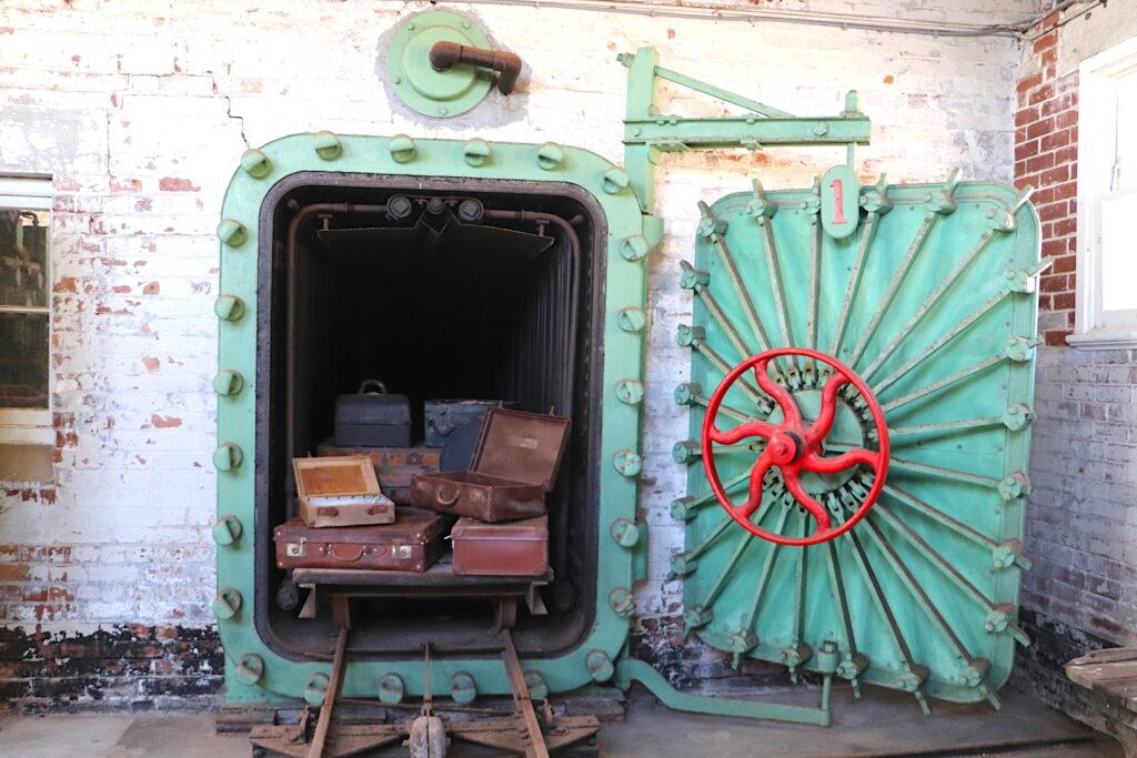 Q Station_boiler steamer_vintage travel kat