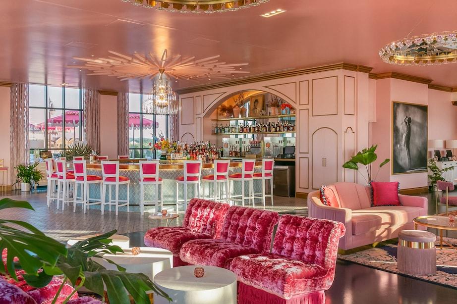 Nashville_Graduate Hotel_White Limozeen_Digital Love
