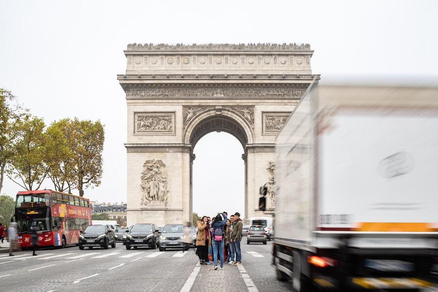 Champs Elysees ©Salem Mostefaoui
