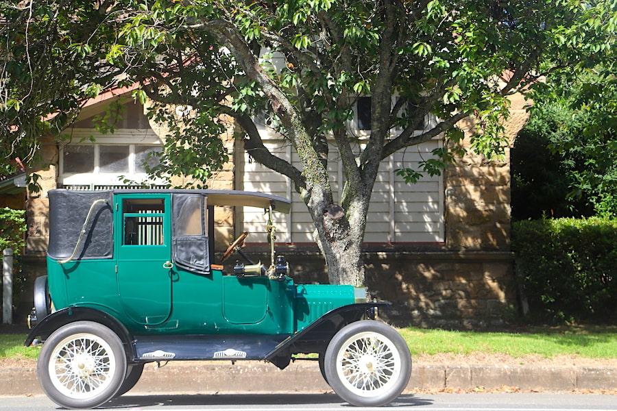 Robertson vintage cars by Vintage Travel Kat