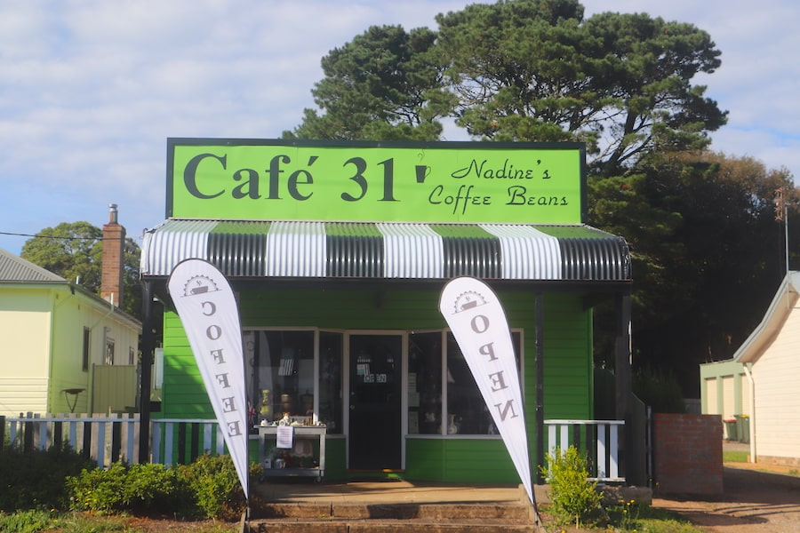 Cafe 31 in Robertson by Vintage Travel Kat