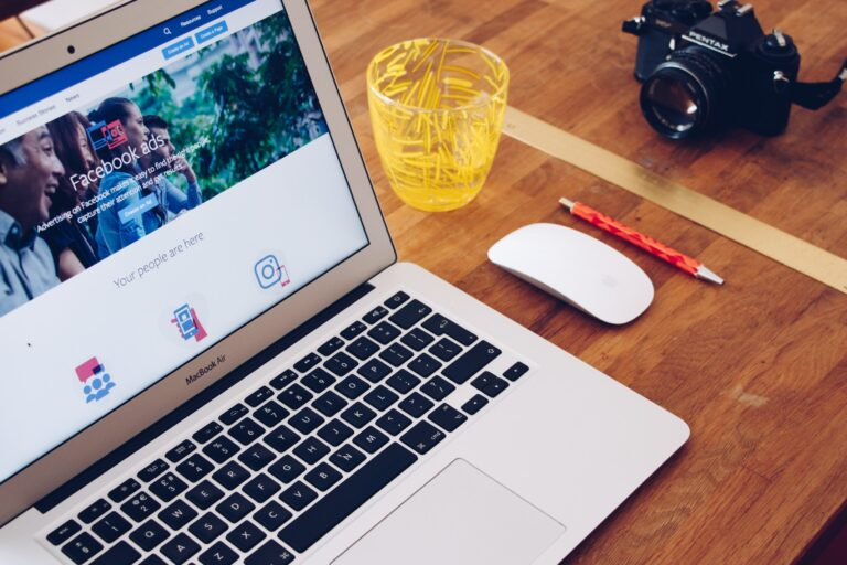 3 Ways to Make a Splash with Facebook Advertising