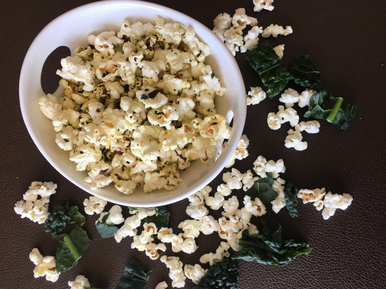 Kale-Cheezy-Popcorn-2-1280x960.jpg
