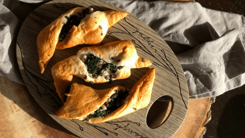 Spinach-Mushroom-Stuffed-Crescent-Rolls-Hero-min.png?time=1603393643