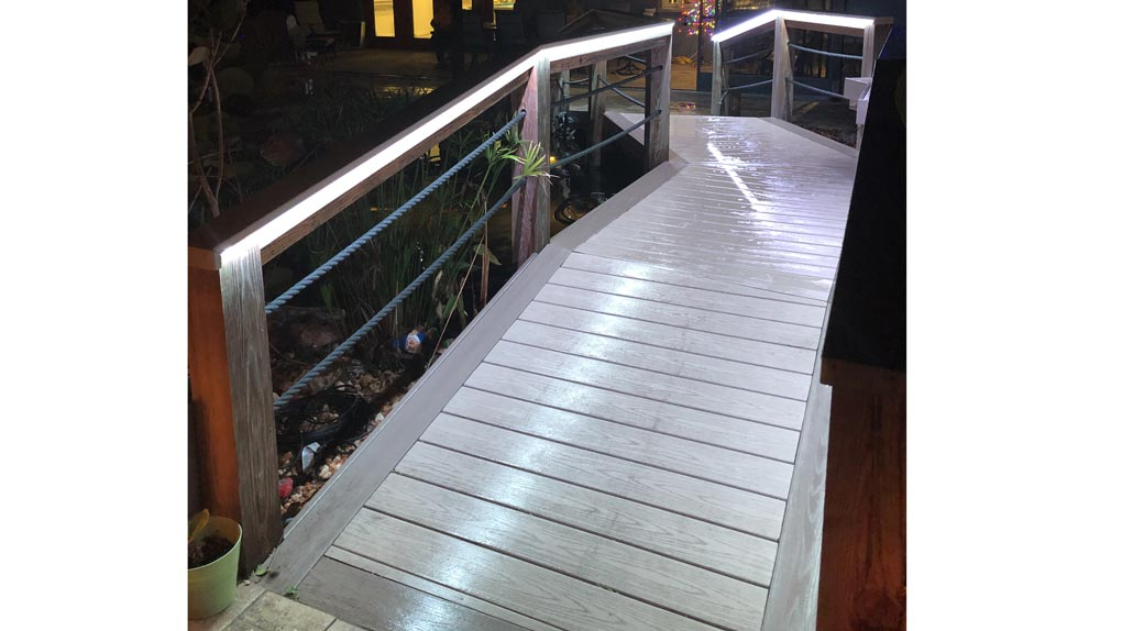 Photo of Deck with rails