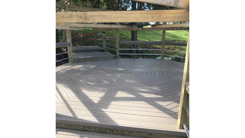 Arbor Photo to deck and stairway