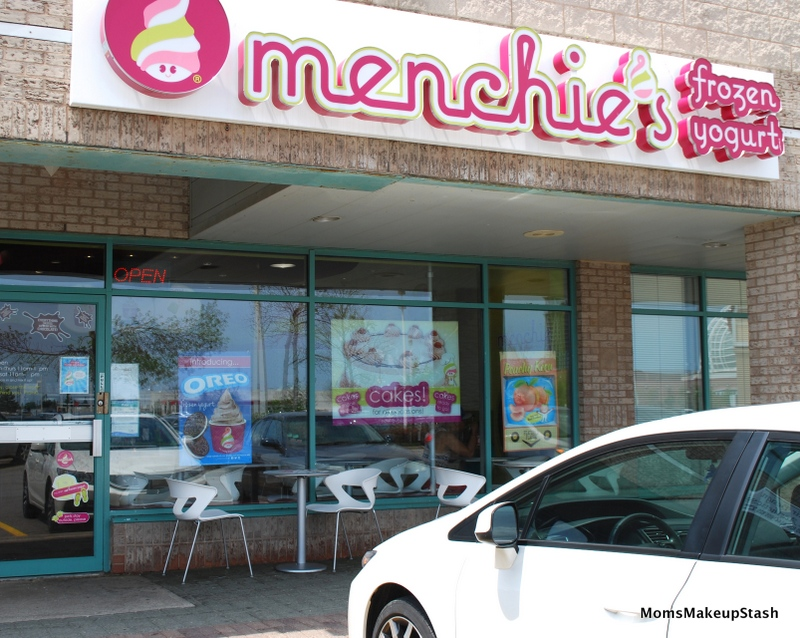 Menchies-Outside