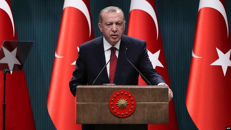 Eldogan avuga ko Syria nimukora mu jisho azayereka 'uko intama zambarwa'