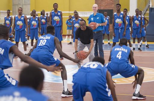 Siporo n'imyidagaduro bishobora gucira inzira urubyiruko rwa Africa bakaba ibihangange- P.Kagame