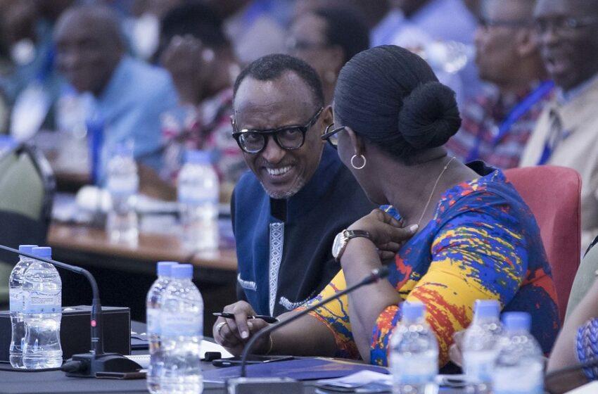 AMAFOTO-Umwiherero: Umunsi wa Kabiri bazindukiye muri Siporo nyuma baganira ku buzima