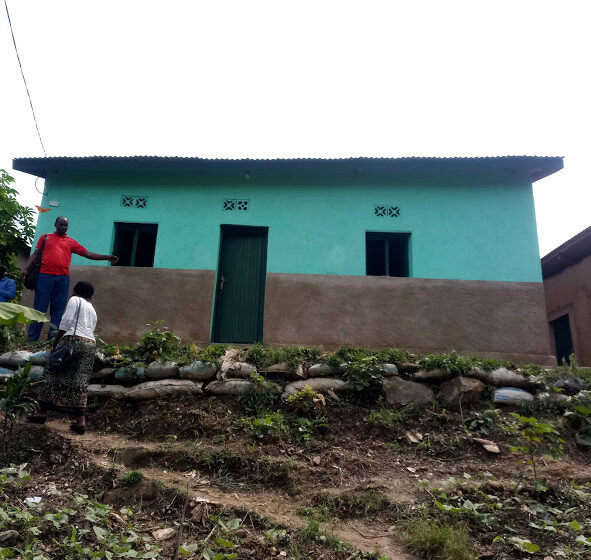 Karongi  :Bishimiye gutuzwa mu nzu 'zikomeye'