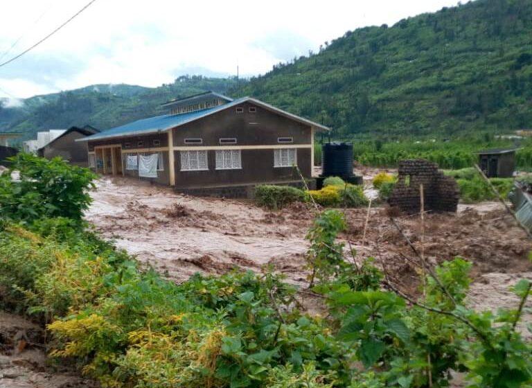 Guverineri Munyantwali asanga bizasaba igihe mu gusana ibyangijwe n'ibiza