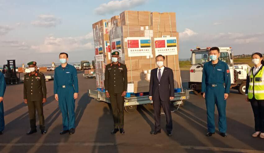 Igisirikare cya China cyashyikirije icy'u Rwanda inkunga y'ibikoresho bya Miliyoni 290Frw