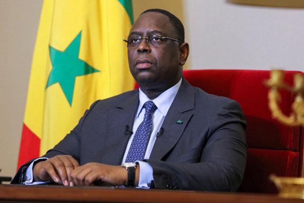 Perezida wa Senegal yishyize mu kato azamaramo iminsi 14