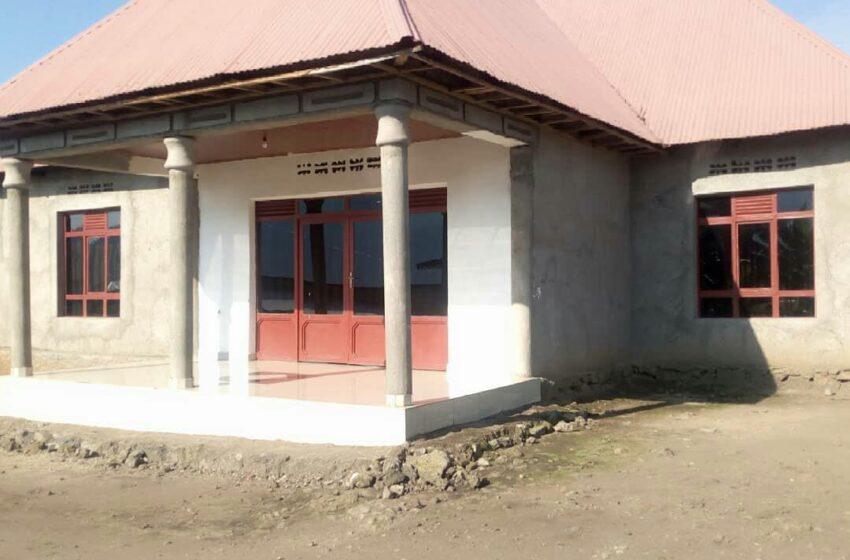 Rubavu: Barapfa inzu umwe avuga ko yayiguze Miliyoni 15Frw, undi ati 'sinagurishije'