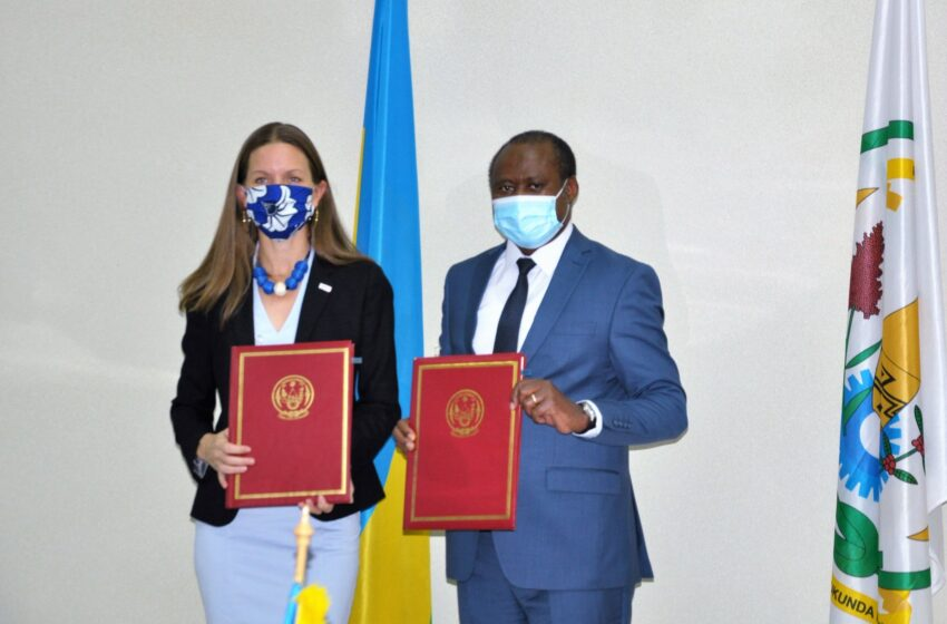 U Rwanda na USAID byasinyanye amasezerano ya miliyari 605Frw