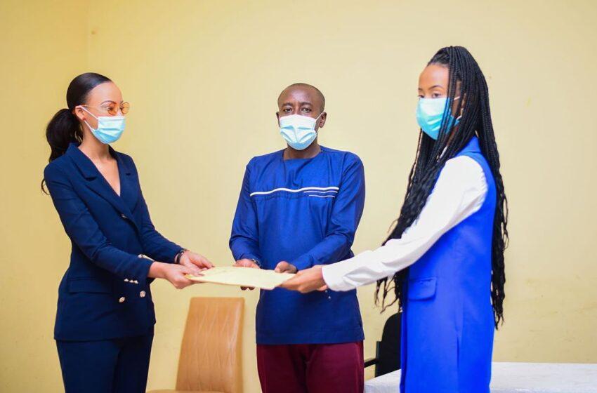 Rwamagana: Nyampinga Foundation bishyuriye Mutuelle imiryango 250