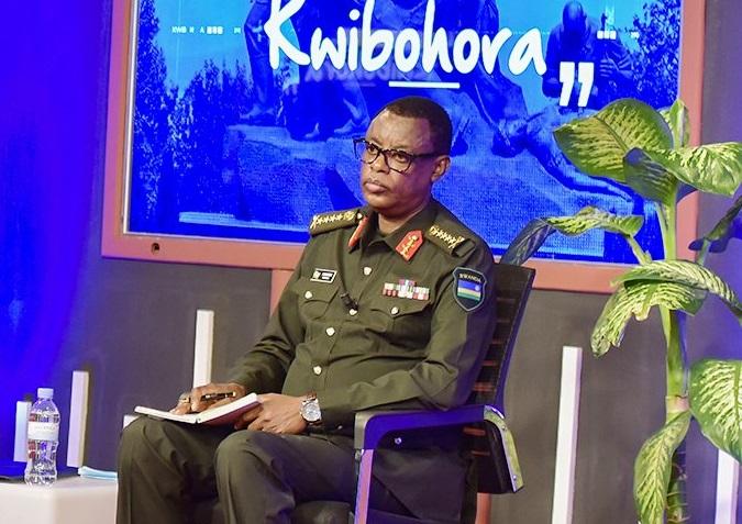 Igihugu twari tubereye abasirikare Amavubi yaje gukina nacyo tujya kuyafana- Gen.Kabarebe