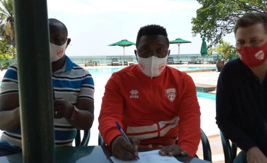 Songa utakiri muri Police FC,  yasinye amasezerano y'imyaka 2 muri Etincelles FC