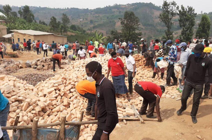 Kamonyi:Muri FPR barashaka kurangiza ibyumba by'amashuri mbere ya Nzeri