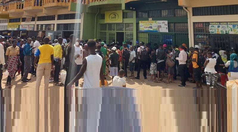 Nyarugenge: Ubuyobozi bwasabye abakorera mu masoko yafunzwe kuguma mu rugo