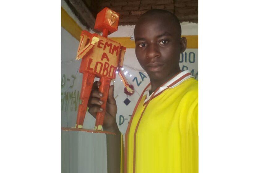 Rusizi: Umwana wakoze Radio noneho yakoze Robot, Bombe, Satellite,…