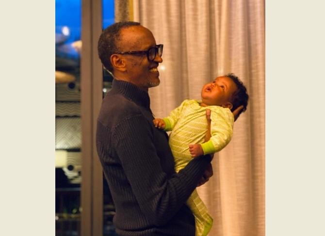 Ifoto: Perezida Kagame n'UMWUZUKURU WE