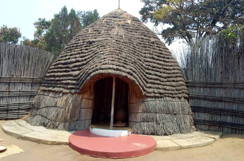 Nyanza: Gusura ibyiza Nyaburanga byahungabanyijwe na COVID ariko ntibyababujije kwagura