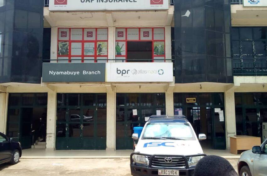 Muhanga: Abaturage barasaba BPR imigabane yabo imaze imyaka 7 batayihabwa