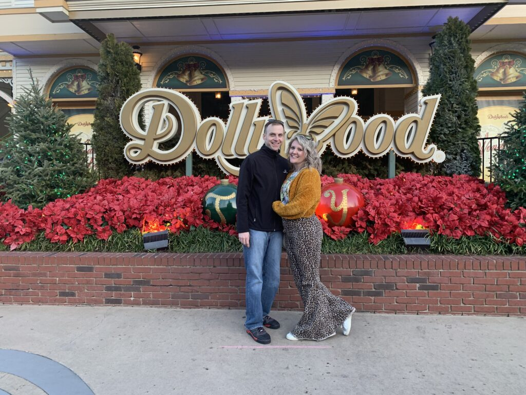 Travel Guide to Gatlinburg and Pigeon Forge, Dollywood