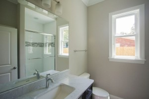 21 0 315 1r1st floor bath