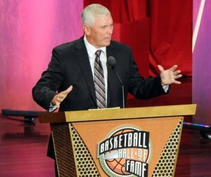 bob-hurley-sr-hall-of-fame-speech-cropped-file-e97f57517fcb82fc_large[1]