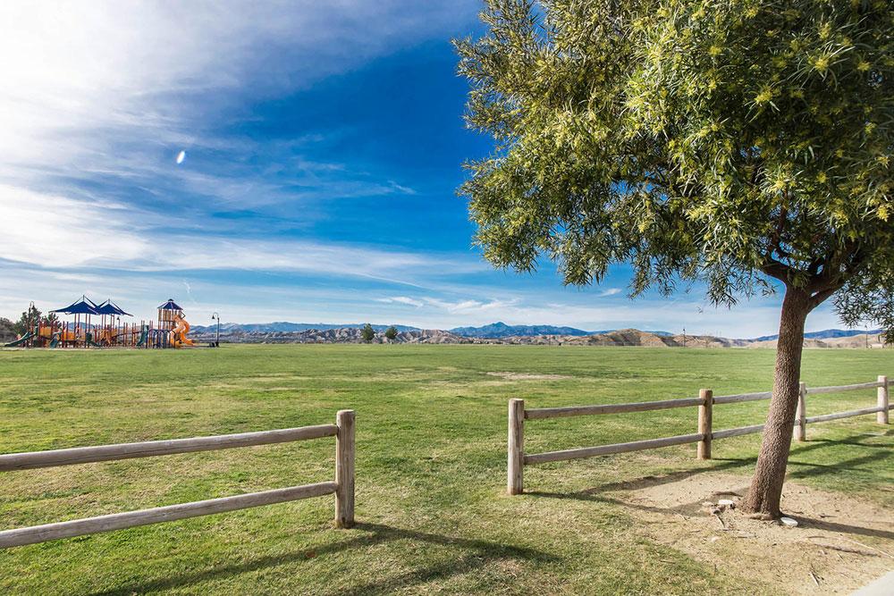 28933-High-Sierra-Trail-Santa-large-027-028-Park-1500x1000-72dpi