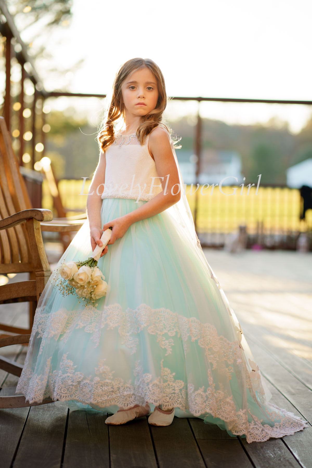 Sleeveless Lace Tulle Flower Girl Dress with Butterfly Veil