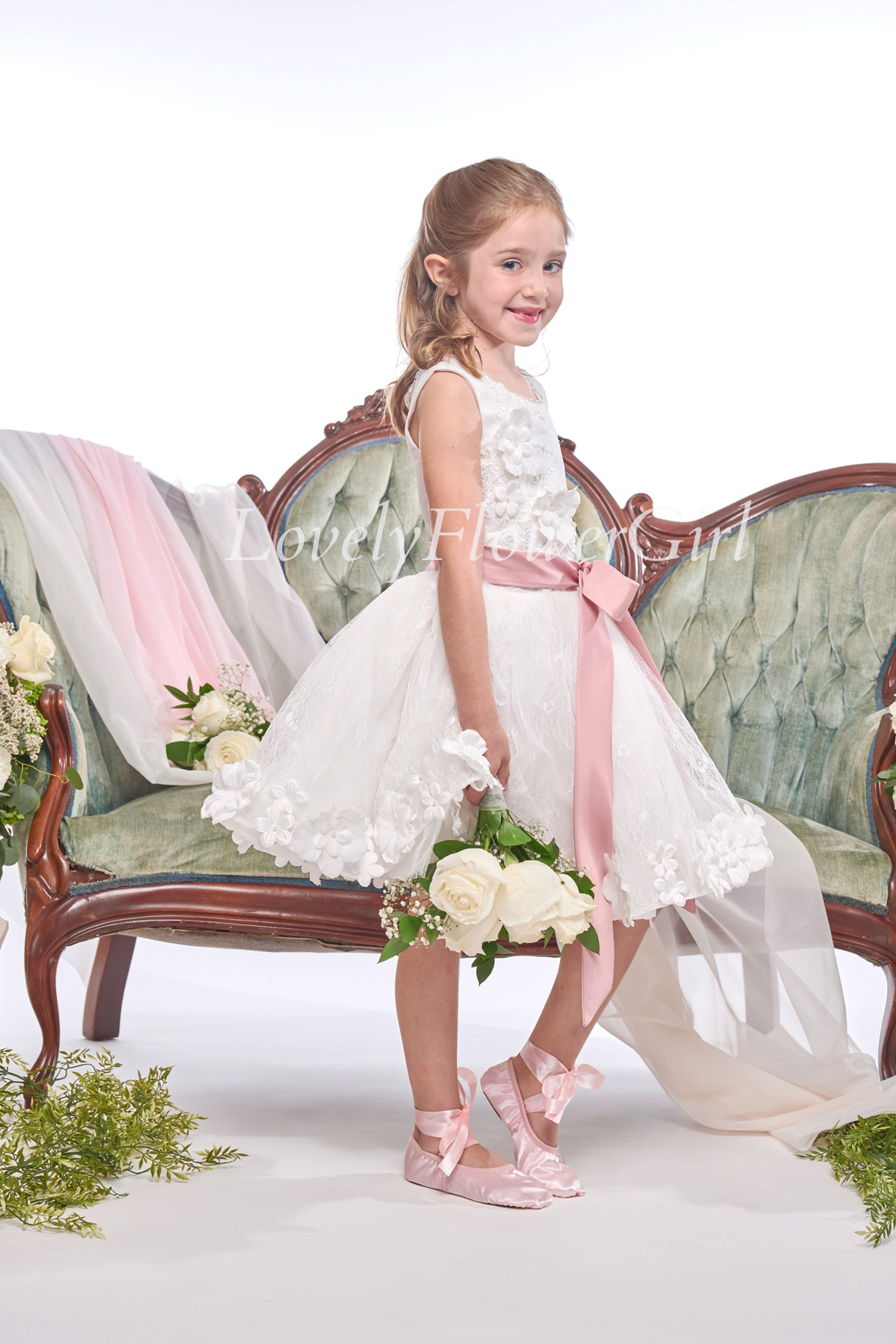 Sleeveless Embroidered With Bow Flower Girl Dress
