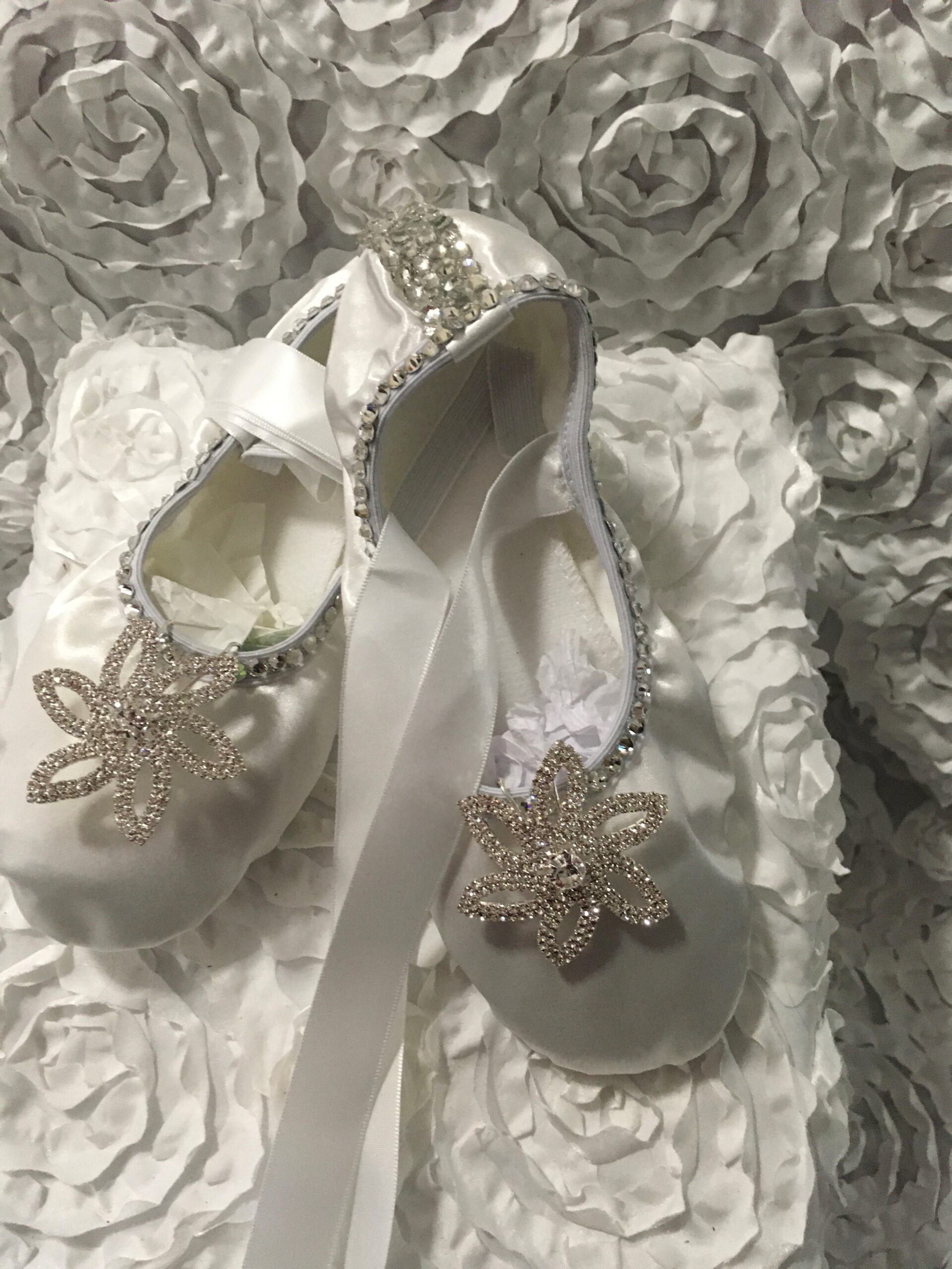 Ballerina-with-rhinestones-shoes-white-star-