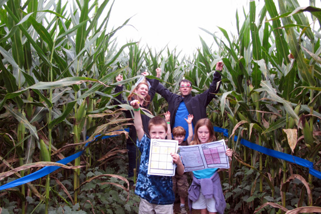 Giant Corn Maze at Country Roads Family Fun Farm - Stotts City, MO