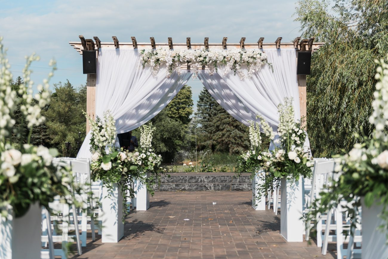 Outdoor ceremony on site at the Arlington Estate