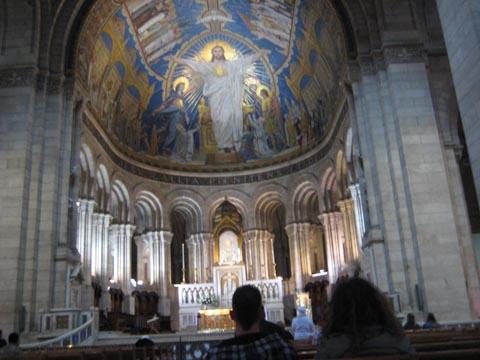教堂内 - 唯一的图片中我们设法潜入