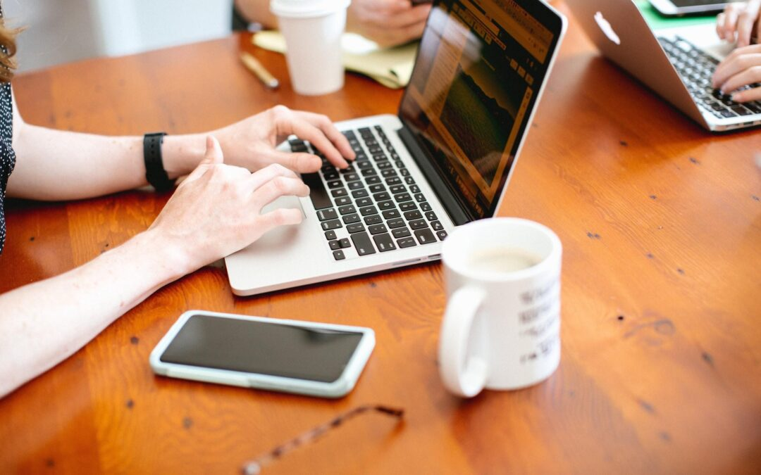 How Your Business Can Attract and Retain Top-Notch Remote Workers