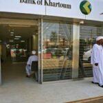 بنوك السودان تستقبل الدولار من الخارج لأول مرة منذ 20 عاما