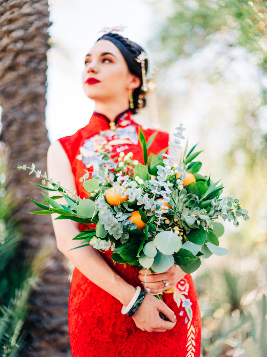 Tucson bride with mandarin oranges in her bouquet