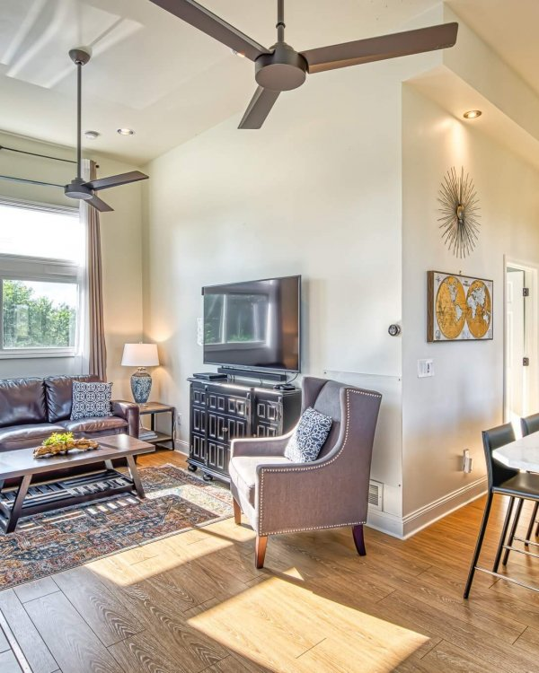 01_miller-beach-vacation-rental-beach-house-the-addition-living-room