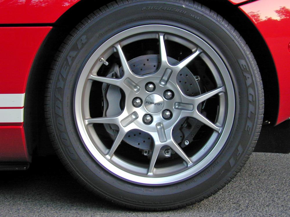 2005 Ford GT Wheel