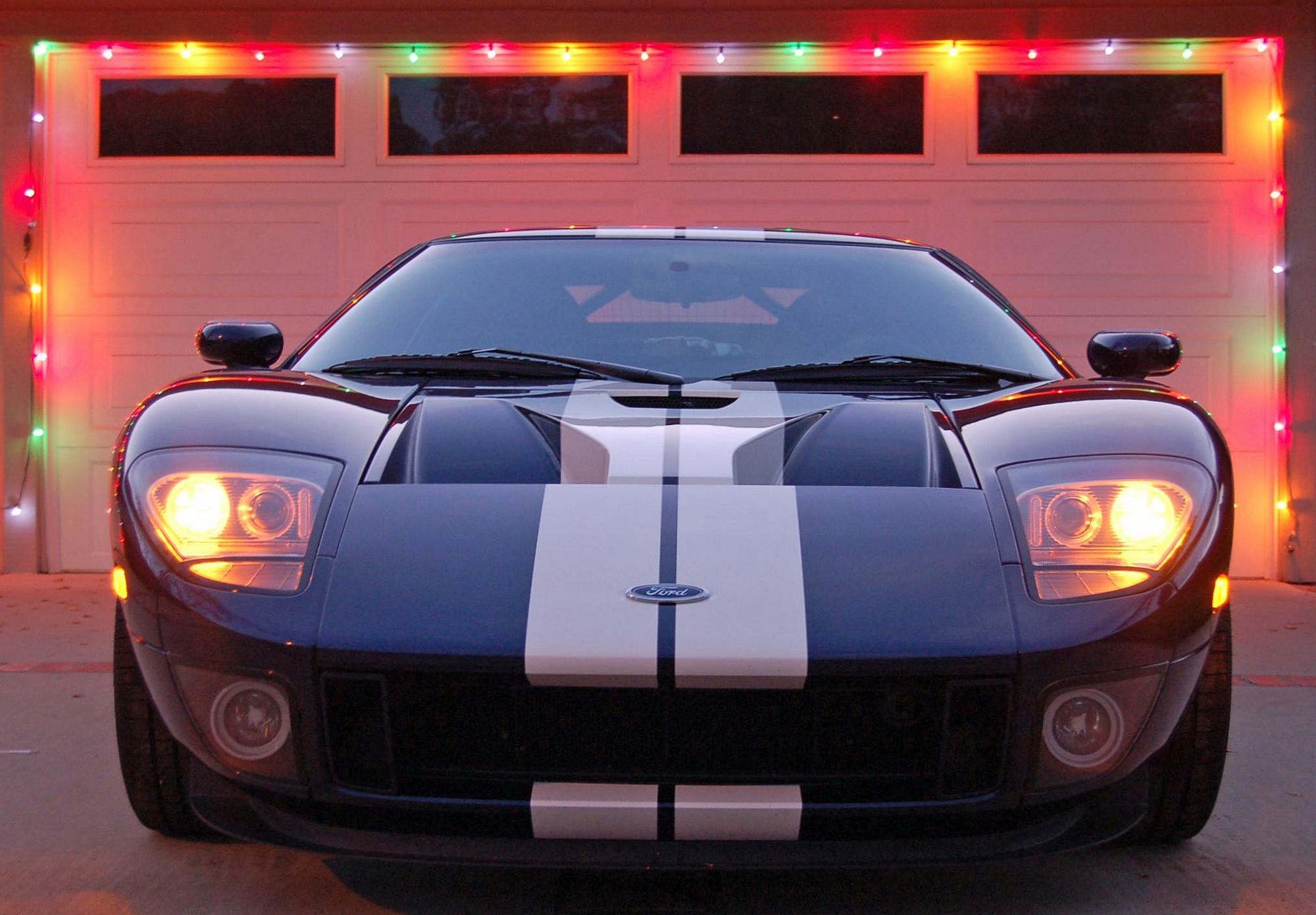 2005 Ford GT Long Term Christmas Lights